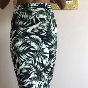 Dresses & Skirts - Palm print skirt